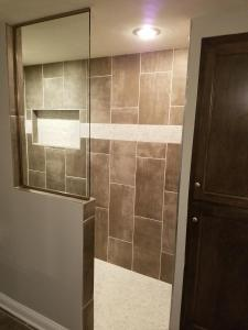 HG knee wall, brushed nickel with clear, installed with U-Channel