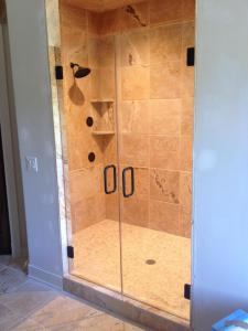 HG Frameless doors, ORB with clear hinges, C-Pull and bottom sweep