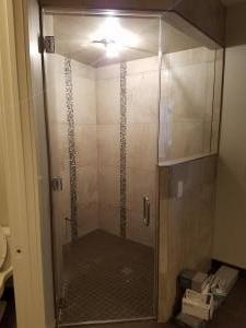 corner shower 1